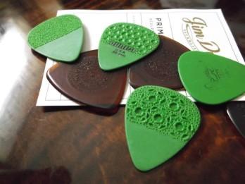 dunlop-picks-customized